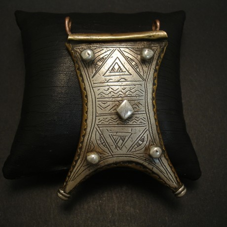 tuareg-amulet-old-tribal-silver-brass-04139.jpg