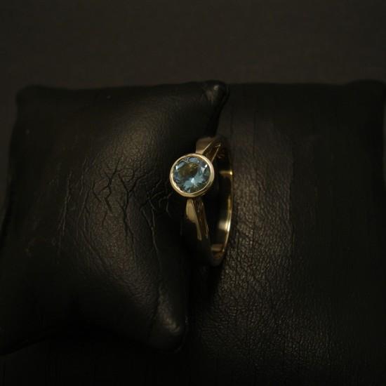 5mm-round-agrade-aquamarine-9ctwhite-gold-ring-03283.jpg