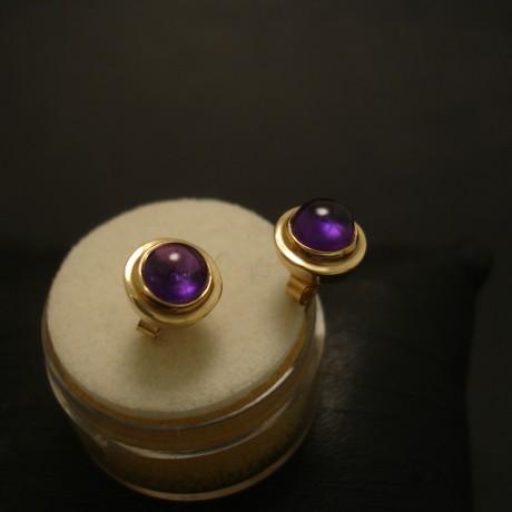 6mm-cab-amethyst-9ctgold-ear-studs-03586.jpg
