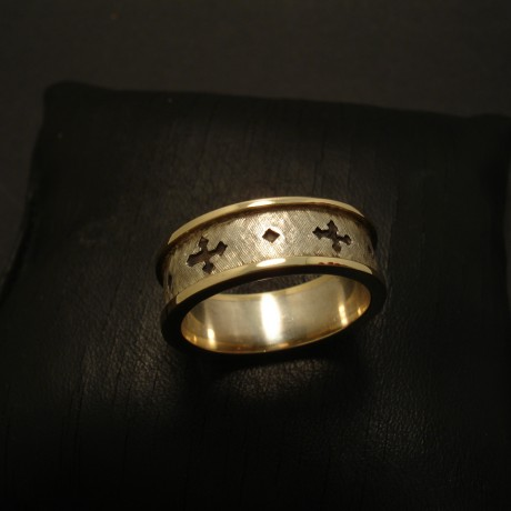 gothic-cross-ring-silver-gold-ridges-03273.jpg
