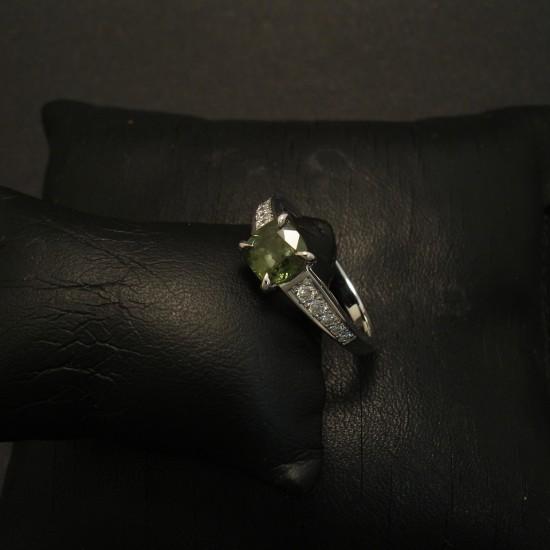 green-sapphire-custom-18ctwhite-gold-ring-02827.jpg