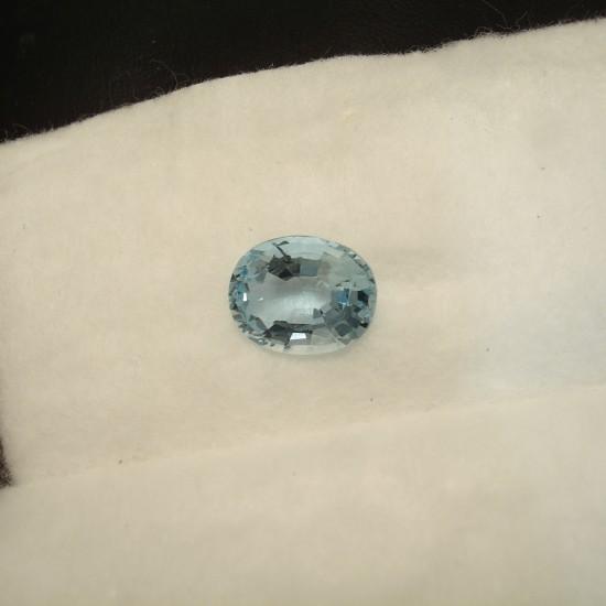 superior-aquamaribne-3ct-oval-gemstone-01811.jpg