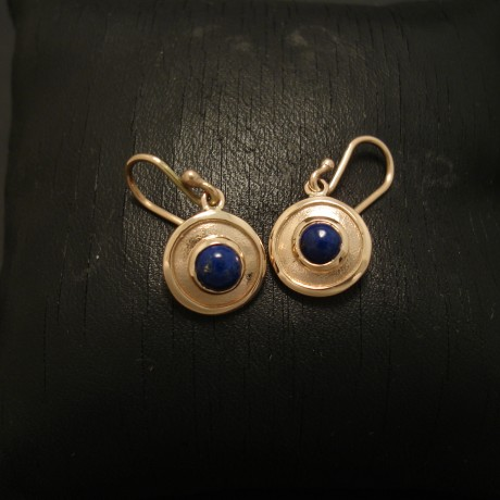 11mm-disc-earrings-lapis-9ctgold-03496.jpg
