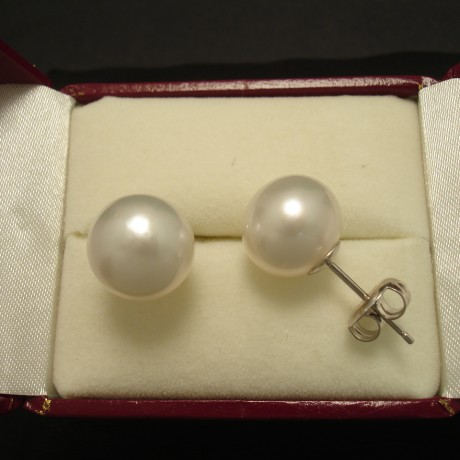 11mm-white-south-sea-pearls-18ctwhite-gold-studs-03428.jpg
