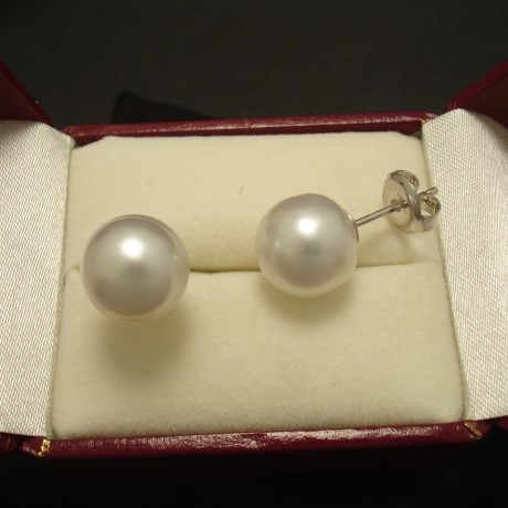11mm-white-south-sea-pearls-9ctwhite-gold-earstuds-03426.jpg