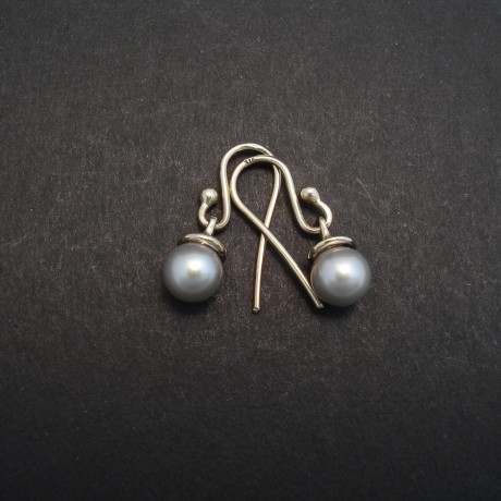 6mm-silver-grey-pearls-9ctwhite-gold-earrings-02806.jpg