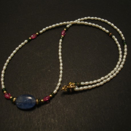 8ct-natural-sapphire-cabochon-centrebead-tiny-pearls-necklace-03516.jpg
