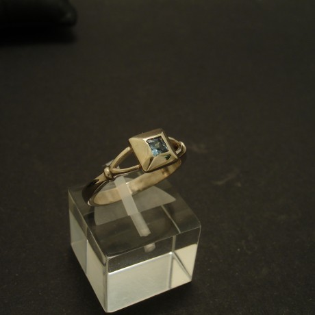 agrade-small-princess-aquamarine-9ctwhite-gold-ring-03455.jpg