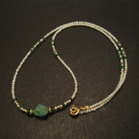 emerald-pebble-centrebead-tiny-pearls-9ctgold-necklace-03521.jpg