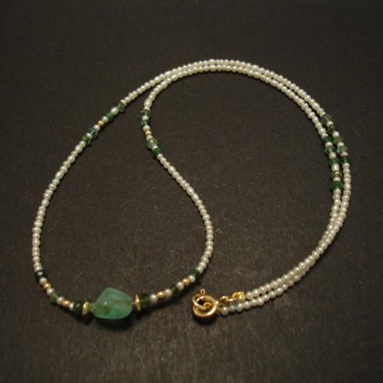 emerald-pebble-centrebead-tiny-pearls-9ctgold-necklace-03521.jpg