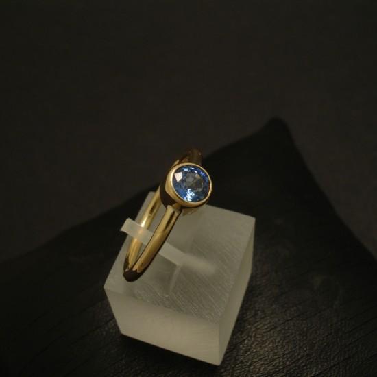 fine-blue-sapphire-57ct-18ctgold-hmade-ring-03398.jpg