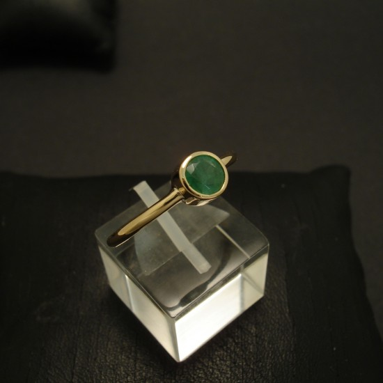 half-carat-natural-emerald-18ctgold-hmade-ring-03449.jpg