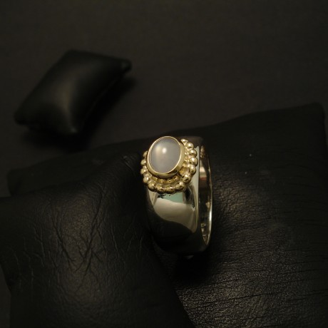 lovely-grey-blue-star-sapphire-gold-silver-ring-03338.jpg