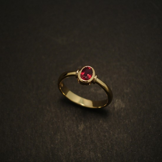 6x4mm-ruby-62ct-18ctgold-hmade-ring-03574.jpg