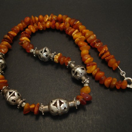chunky-butterscotch-amber-afghan-silver-necklace-03739.jpg