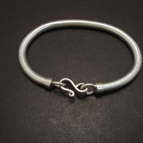 densely-woven-silver-rope-chain-bracelet-05561.jpg