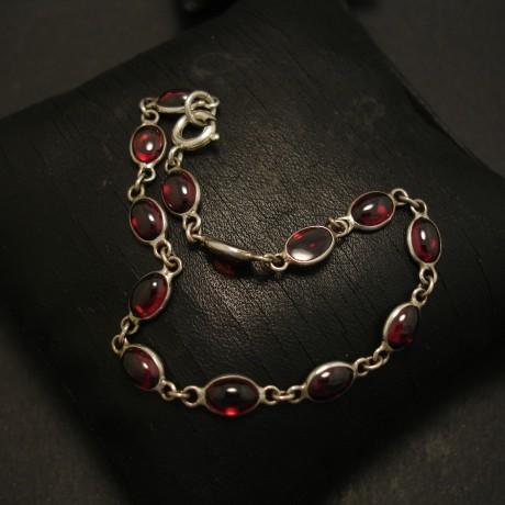 handmade-garnet-cab-silver-bezel-link-bracelet-03605.jpg