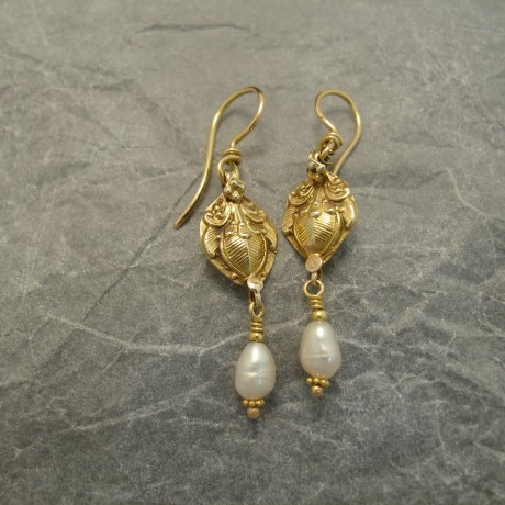 high-carat-sthindian-gold-pearl-earrings-03684.jpg