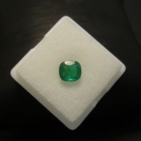 136ct-certified-columbian-emerald-cushion-03742.jpg
