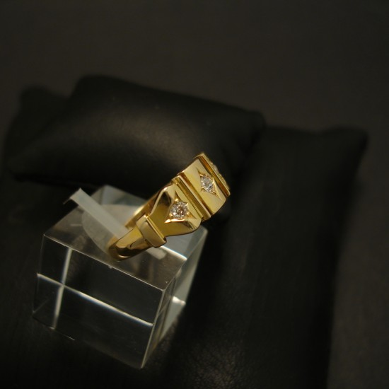 antique-chester-england-18ctgold-ring-diamonds-03633.jpg