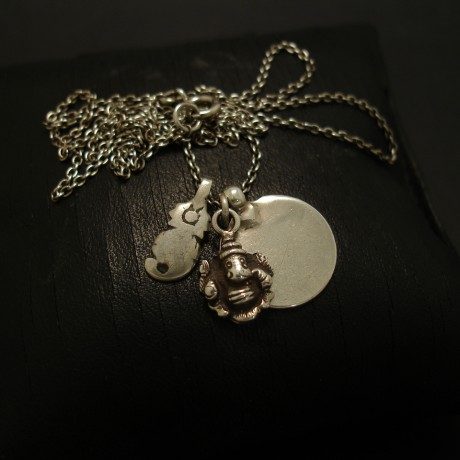 little-silver-elephant-gold-silver-chain-03565.jpg