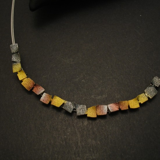 smart-minimalist-autumbnal-fired-silver-necklace-03678.jpg