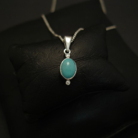 clean-blue-persian-turquoise-diamonds-9ctwhite-gold-pendant-03905.jpg