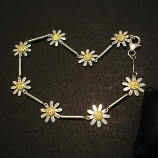 eight-radiant-flowers-silver-link-bracelet-03820.jpg