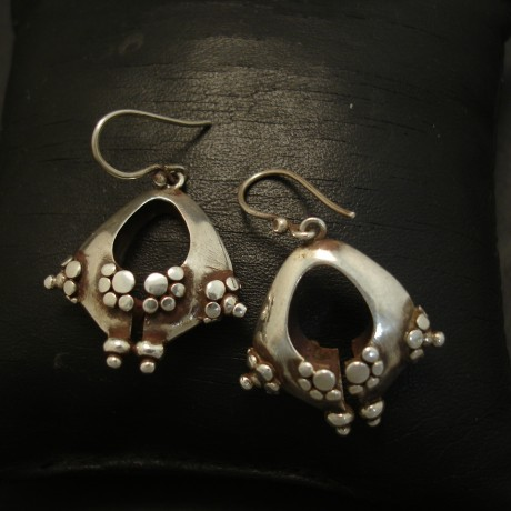 handmade-traditional-silvercraft-earrings-03726.jpg