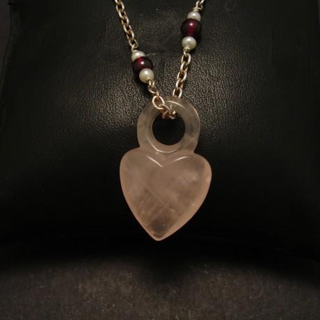 rosequartz-heart-silver-garnet-pearl-chain-00301.jpg