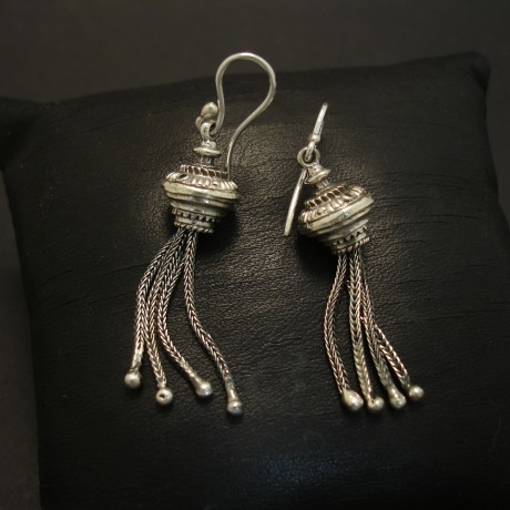 silver-tassel-earrings-victorian-design-concept-03668.jpg