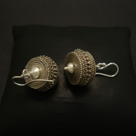 handcrafted-granulated-silver-earrings-03874.jpg
