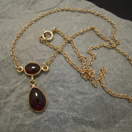 agrade-brazilian-cabochon-amethysts-9ctgold-necklace-04194.jpg