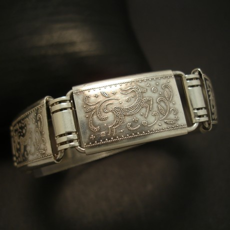 1940s-german-embossed-silver-bracelet-04115.jpg