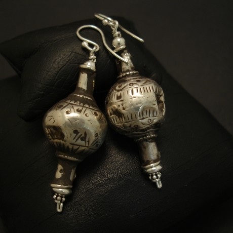 elegant-afgani-tribal-silver-bead-earrings-04004.jpg