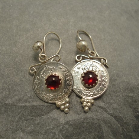 threepenny-coin-earrings-garnets-04175.jpg