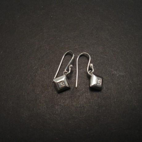 16ct-princess-diamonds-9ctwhite-gold-stylish-earrings-05549.jpg