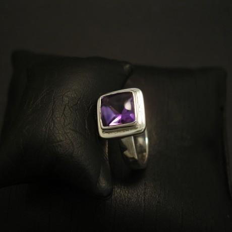 lustrous-amethyst-handmade-silver-ring-04172.jpg