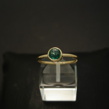 57ct-bright-natural-emerald-hmade-18ctgold-ring-04291.jpg