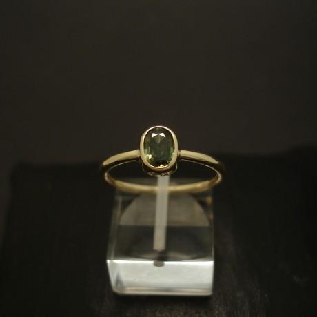 .89ct-green-australian-sapphire-hmade-9ctgold-ring-04384.jpg