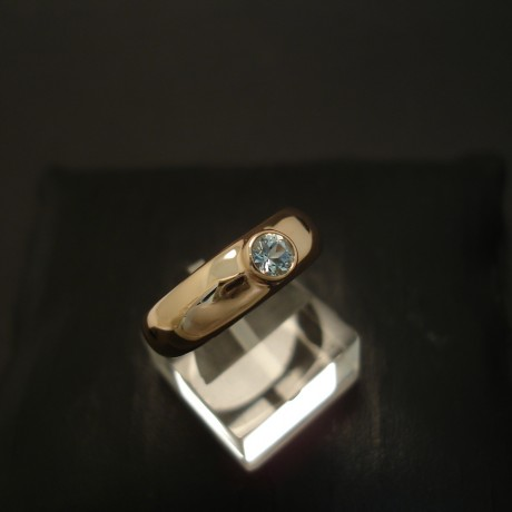 agrade-4mm-aquamarine-9ctrose-gold-ring-04373.jpg