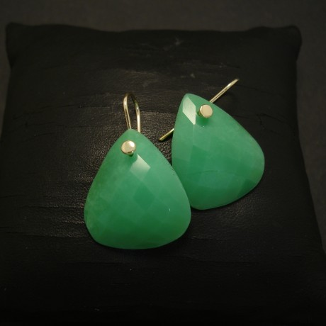 chrysoprase-australian-9ctgold-hook-earrings-04313.jpg