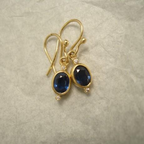 fine-blue-sapphires-1.95ct-diamonds-18ctgold-earrings-04755.jpg