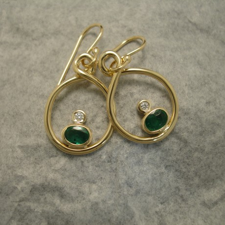 solid-green-emeralds-white-diamonds-18ctgold-earings-04345.jpg