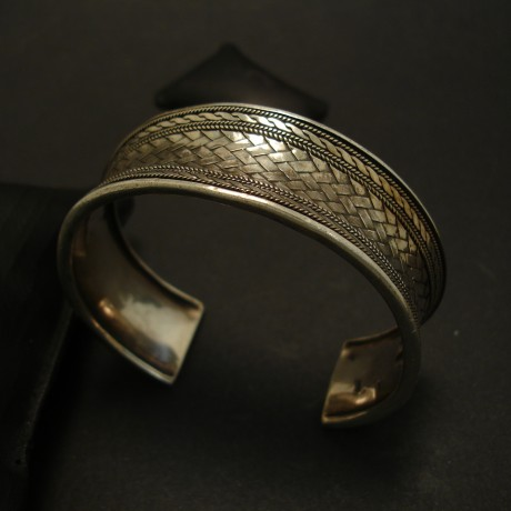 1980s-bali-hcrafted-silver-half-bangle-04410.jpg