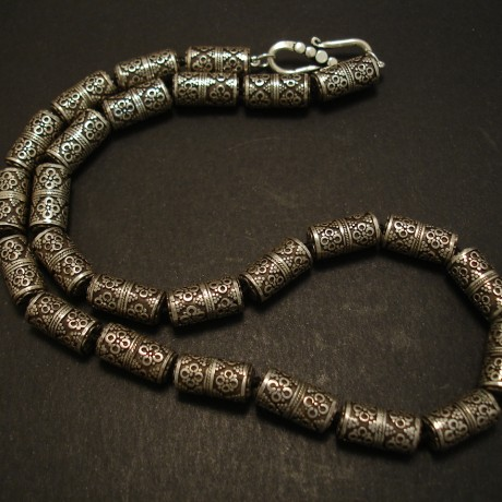 cylindrical-hcrafted-silver-bead-necklace-04325.jpg