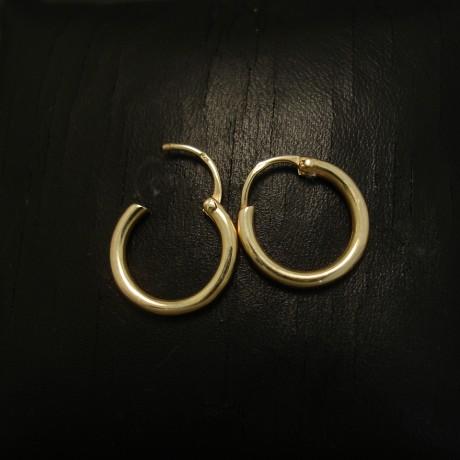 earhoops-16mm-wide-solid-9ctyellow-gold-04414.jpg