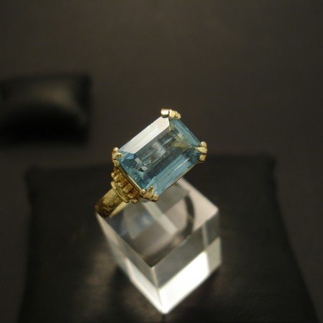 56ct-natural-aquamarine-20ctgold-ring-04572.jpg