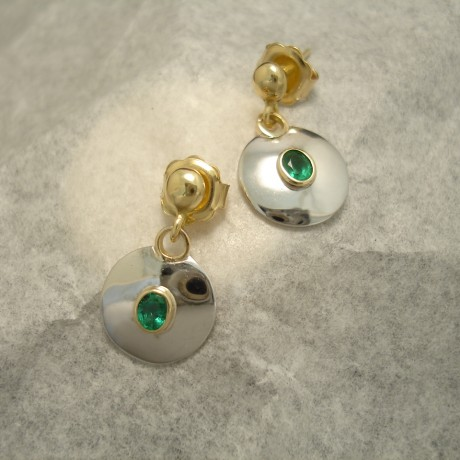 4x3mm-oval-emeralds-18ctgold-earstud-drops-04594.jpg
