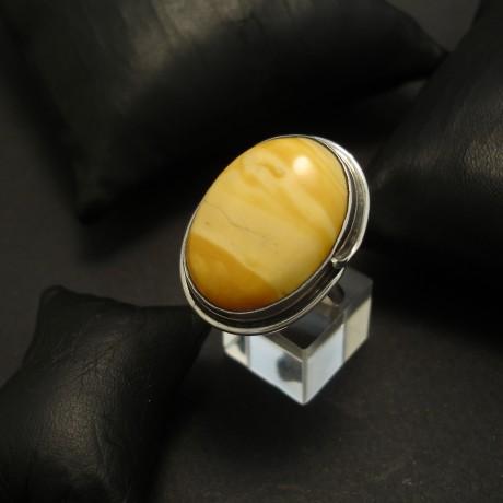 baltic-butterscotch-amber-hamade-silver-ring-04542.jpg